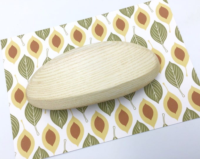 Oval Hair barrette. Sycamore wood. Genuine 'Made in France' metal clasp - strong and sturdy. Wooden hair accessory for her. Natural sycamore