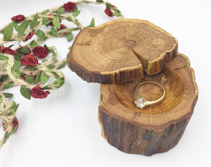 Oak Engagement Ring Box - Natural Wood Proposal Box - Ring Holder - Hand carved ring dish - Woodland Rustic Primitive - Ancient Oak wood