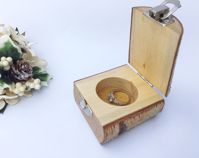 Ring box. Live edge Birch wood jewelery box. Treasure chest. Ring / Earring / Charm box. Handmade from a wooden branch. Engagement proposal