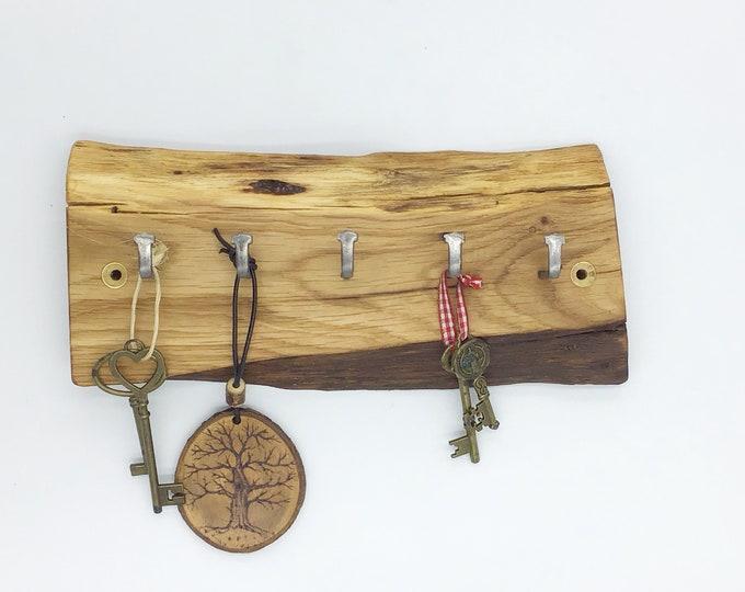 Wood Key Rack - Oak wall key rack - 5 hooks - Solid Oak heartwood - Wall mounted With hanging hooks / pegs - Woodland decor. Rustic Home