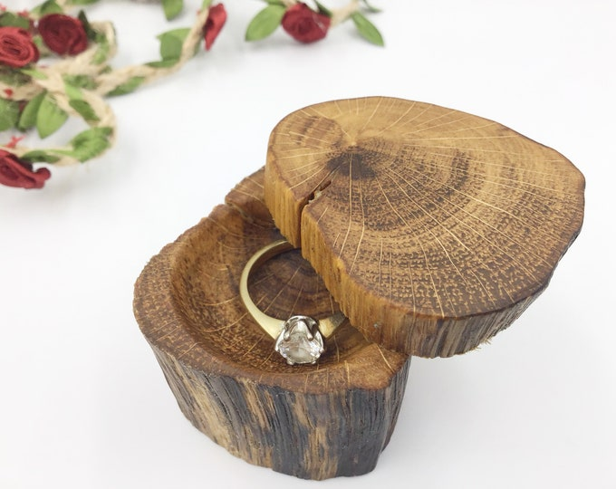 Ancient Oak engagement Ring Holder – Stylish timeless Oak wood Ring Box - Wooden Ring Box - Hand carved Proposal Presentation - Valentine