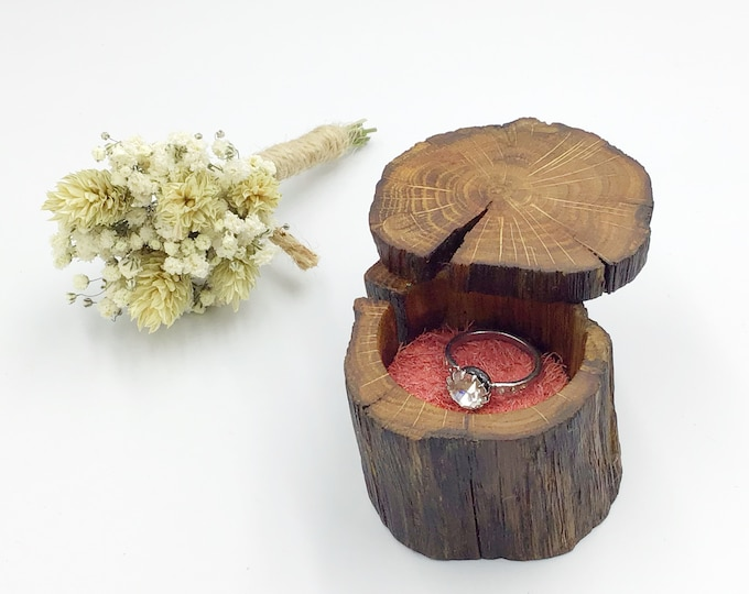 Ring Box - Engagement Ring Holder - Ancient Oak Heart Wood & suede leather (Colour Choices Available) - Handmade - Rustic Woodland- stylish