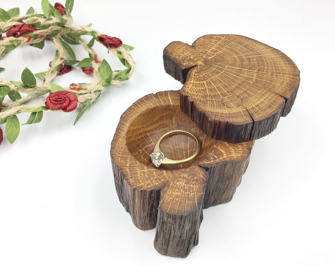 Ring box. Engagement Ring Box. Ancient Oak Wood Proposal Box. Ring Holder / Dish. Hand carved. Vintage style 'Marry Me' Box. Primitive Oak