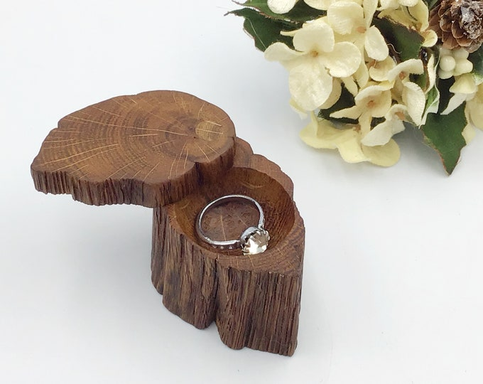Ring Box - Engagement Ring Holder - Live Edge Wooden Ring Box - Ancient Oak Heart Wood – Hand carved ring dish - unique luxury classic item