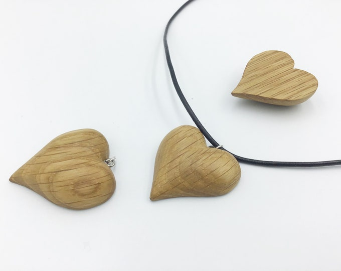 Little love heart necklace - Oak wood - Wooden heart shaped pendant necklace - Handmade Valentine gift for her - Friend / Couple love heart