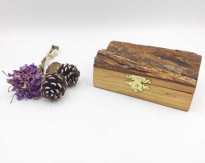 Jewellery box. Wooden jewelery box. Treasure chest. Ring / Earring / Charm gift box. Luxury. Welsh Hawthorn wood. Box for earrings rings etc