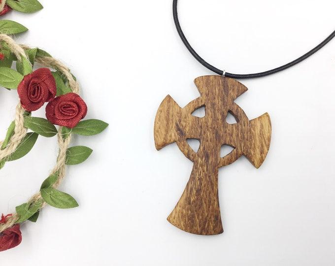 Celtic Cross necklace - Wooden pendant - Oak wood crucifix - Symbol of life neck jewellery - Wearable Celtic Pagan art - Irish Celtic Cross