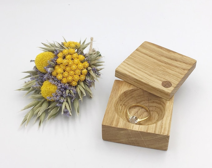 Ring box. Engagement ring box. Jewellery box. Natural oak proposal box. Ring Holder. Wooden ring box. Slim Oak wood presentation ring box