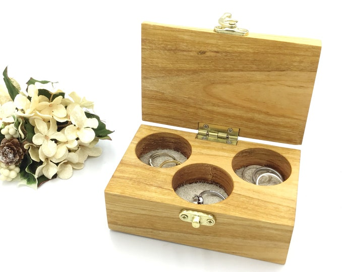 Jewellery box. Wooden jewelery box. Treasure chest. Ring / Earring / Cufflink / Charm. Luxury. Christmas gift for her (or him). Gift box