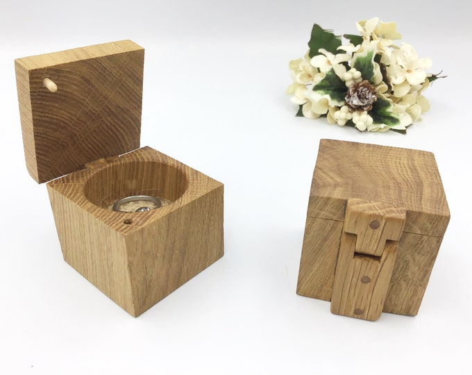 Oak Engagement Ring Box - Natural Wood Proposal Box - Ring Holder with Handmade a wooden hinge - Modern Rustic Oak wood - Classic design
