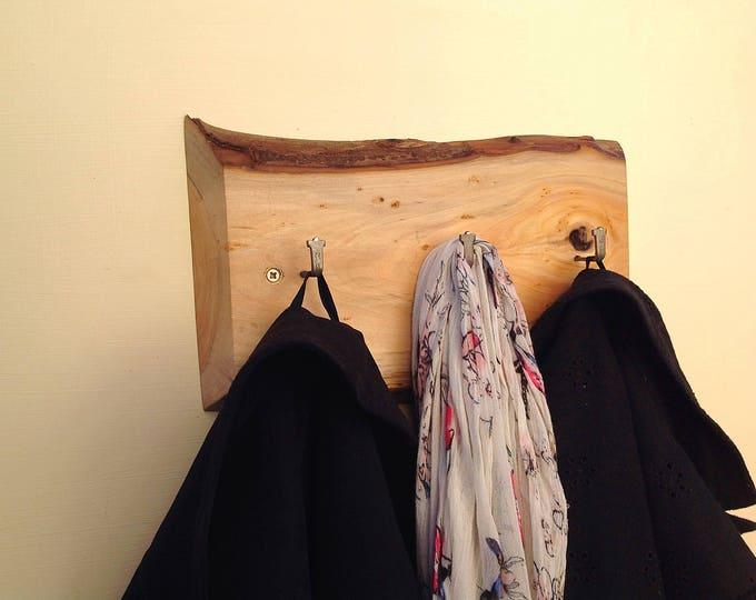 DRIFTWOOD Slice Coat Rack. 3 Hooks on driftwood. Log slice design hanging hooks for coats. Hall, passageway, porch coat rack. Beach decor