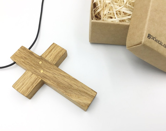 Large Oak crucifix - 10cm tall x 6.5cm wide - Oak wood cross pendant necklace - Wooden Christian Religious cross - Large Unisex pendant