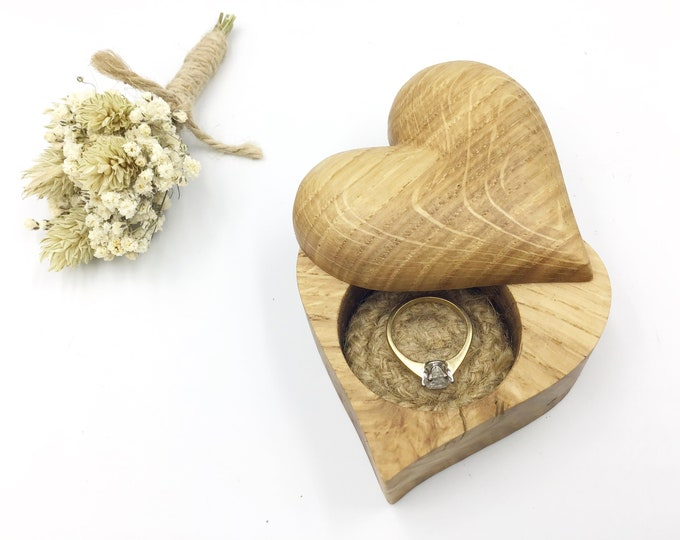 Heart Ring box - Oak wood Engagement Ring Box - Proposal Box - Ring Holder - Hand carved 'Love Heart' ring dish inlaid with jute rope cord