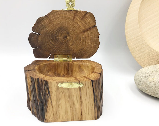 Jewellery box. Treasure chest Ring / Earring / Charm box. Perfect Grandmother / Mother / Nan / Mum gift. Bedside Ring Dish Bowl. Hand carved