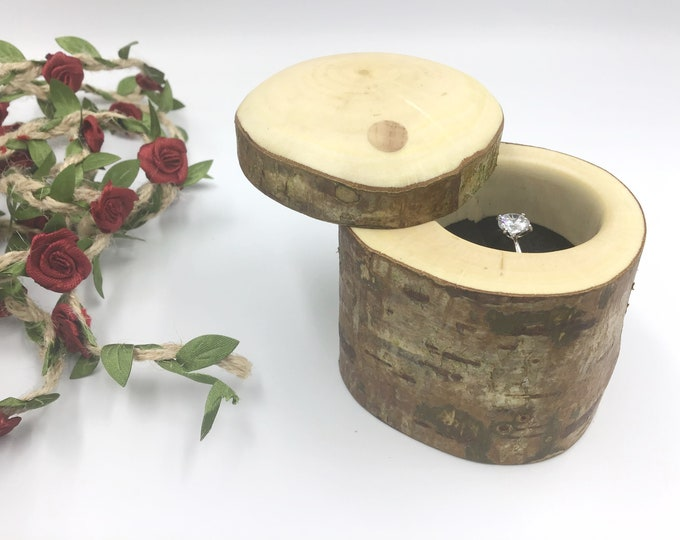 Ring box. Live edge branch. Large engagement ring box. Natural Hazel Rustic wood proposal box. Diamond Ring holder / storage / presentation