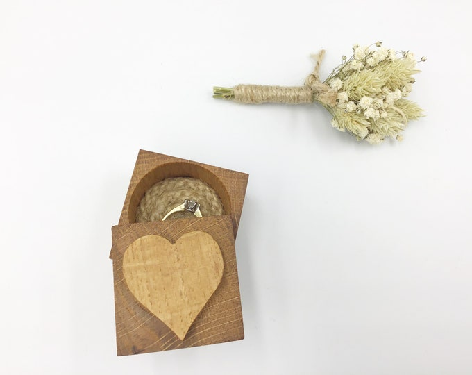 Heart Ring Box - Natural Oak Wood Engagement Ring Holder - Wooden Ring Box - Sustainable Wooden Box with jute rope cord inlay - Love Heart