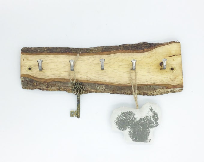 Live edge Key Rack - Oak wall rack - 5 hooks - Rustic Oak wood - Wall mounted with hanging hooks / pegs - Woodland decor. Rustic Home rack
