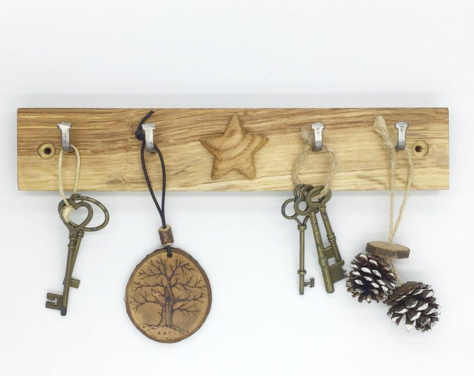 Oak 'Star' Key Rack - Wooden wall key rack with 4 hooks and hand-carved Oak wood star - Wall mounted - 4 hooks / pegs - Modern Rustic home