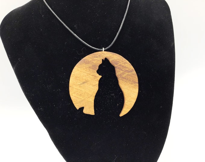 Cat in Moon Silhouette necklace - Handmade Oak pendant - Cat lover wooden pendant - Mystical cat and moon necklace - Halloween - Black cat