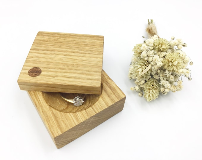 Ring box. Oak Wood Engagement ring box. Natural wooden proposal box with hand-carved ring dish. Slim Oak ring holder. Exquisite ring storage