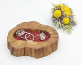 Bedside ring or trinket dish. Jewellery bowl dish tray. Natural oak wood. Mothering Sunday gift Wooden display dish. Red suede inlay