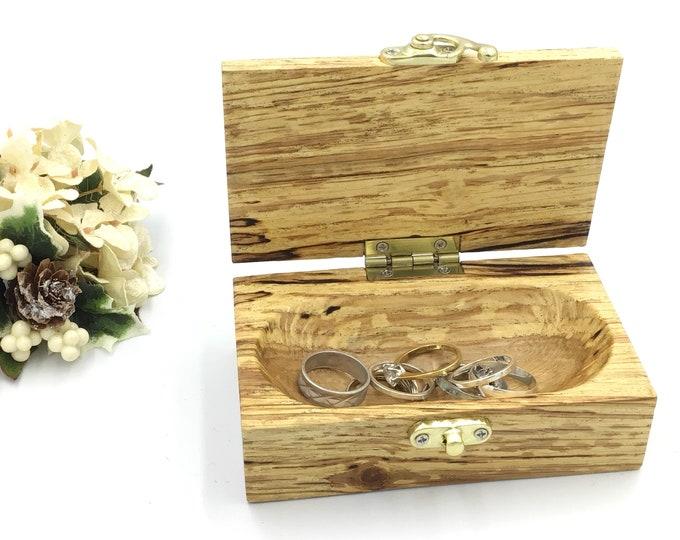 Ring box. Jewellery box. Trinket Box. Handmade. Wooden jewelery box. Treasure chest. Luxury wooden ring box. Gift box for her or him.