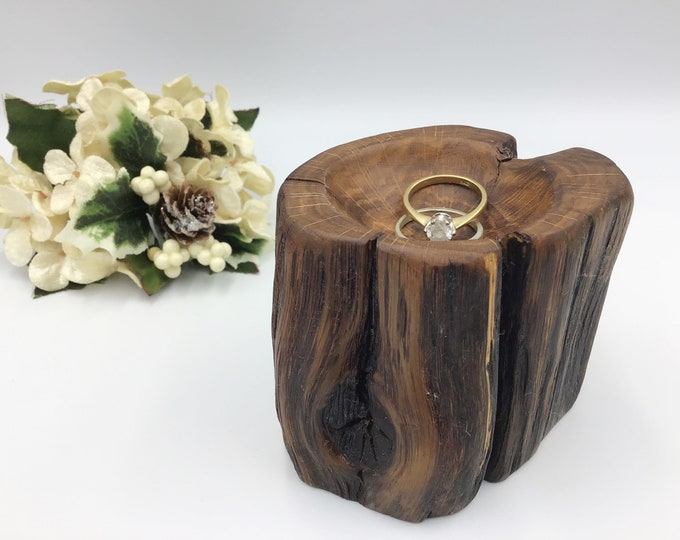 Jewellery Bowl. Wooden ring bowl. Hand carved ring dish. Ancient Oak wood. Treat someone special to a unique ring bowl - no two are alike…