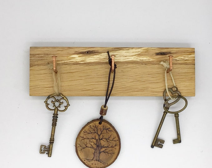 Wall Mounted Key rack - 3 hook Oak wall rack - Simple, stylish Oak Wall Plaque with copper nail hanging hooks - Solid Oak for your keys