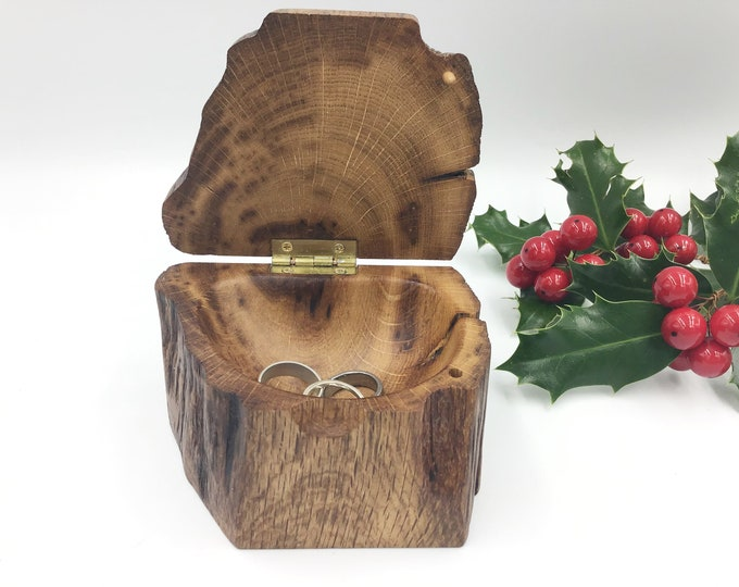 Jewellery box. Little 'Treasure Chest' ring box handmade from weathered 'bone' oak wood. Heirloom Valentine Gift. Ring box for her bedside
