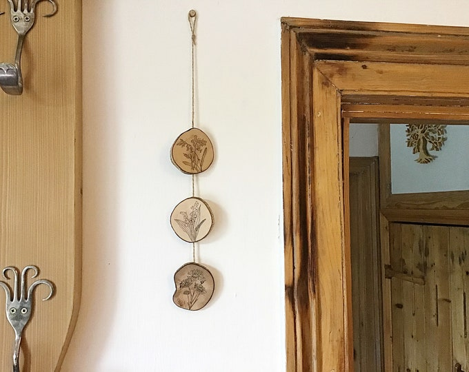 Flowers wall hanging - Handmade Pyrography / Wood Burning - Wood discs & bark - 3 flowers Bluebell, Snowdrop, Daisy - Wall decor bunting art