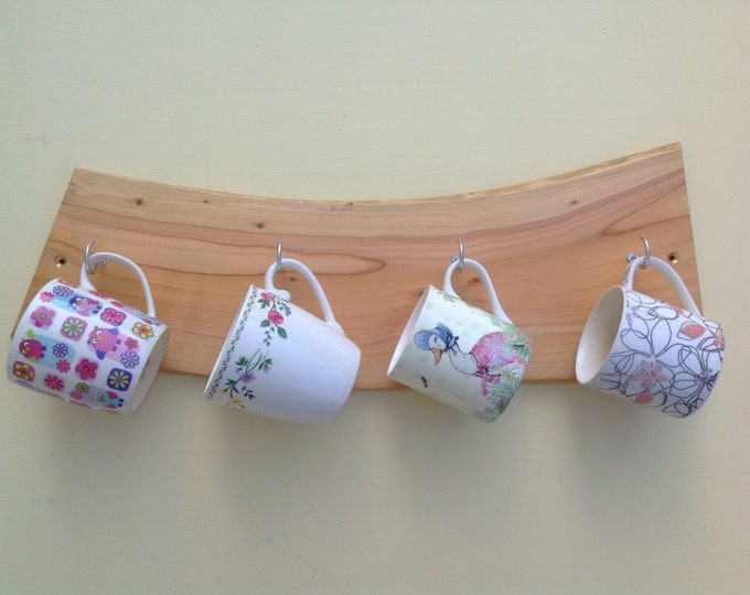 Coffee cup or mug display rack - Wooden cup hooks - Beach / Sea decor - Kitchen storage - Wall mounted - 4 Pegs / Hooks - Coffee lover decor