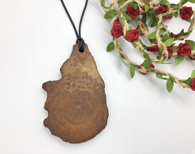 Oak statement pendant - Large wooden necklace - Ancient primitive BONE OAK wood – Handmade & unique - Tactile warm necklace for man / woman