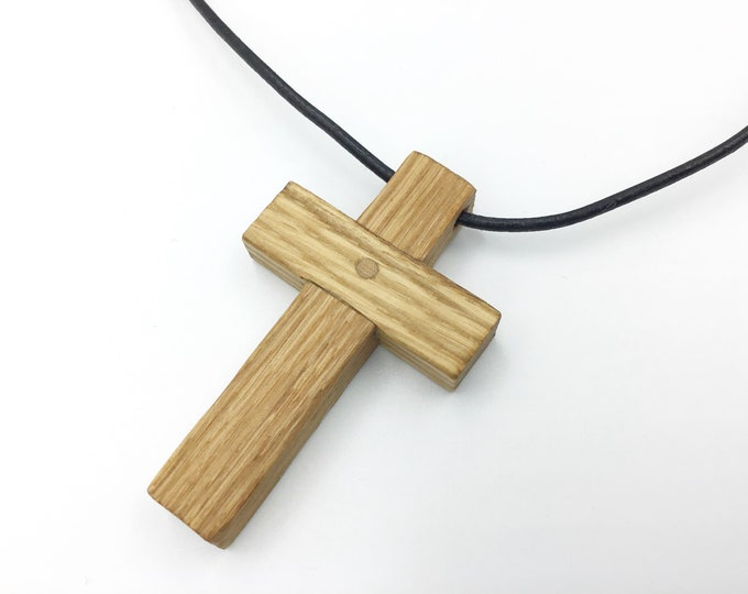 Oak crucifix - Oak wood cross pendant necklace - Wooden pendant necklace - Handmade Christian Religious Wood cross - Unisex pendant