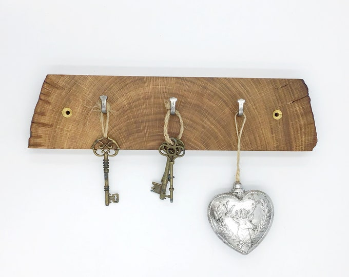 Wood Key Rack - Oak wall key rack - 3 hooks - Solid Oak heartwood - Wall mounted With hanging hooks / pegs - Woodland decor. Rustic Home
