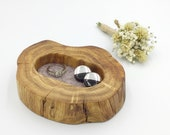 Bedside ring or trinket dish. Jewellery bowl dish tray. Oak keepsake dish. Lilac brown suede inlay. Stylish Mother 39 s Day Mum gift