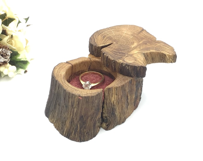 Ring box - Engagement Ring Box - Natural Oak Wood Proposal Box - Ring Holder - Wooden with Red Suede Inlay – Say it in Style - Marry Me Box