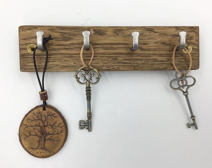 4 hook Key rack - Dark Oak wood - Sustainable wall mounted Key Hooks - Strong metal hooks - Antique Oak wood stain