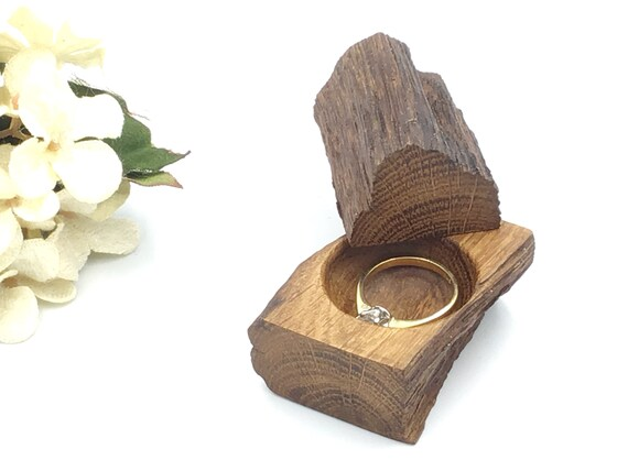 Ring box. Engagement ring box. Pocket sized solid oak proposal box. Ring holder. Luxury wooden ring box from centuries old oak. Heirloom