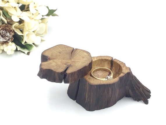 Ring box - Valentine engagement Ring Box - Natural Oak Wood Proposal Box - Ring Holder - Marry Me Box - An heirloom to treasure - Solid Oak