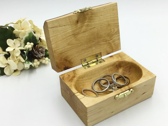 Jewellery box. Completely unique live edge Birch wood trinket keepsake box. Treasure chest. Ring / Earring / cufflink box. Rustic woodland
