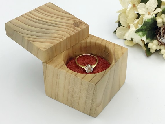 Ring box - Ash wood ring box with vivid red suede disc for showcasing that special ring - Stylish engagement ring presentation box