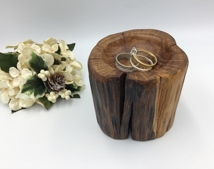 Ring Bowl. Oak. Hand carved wood bowl. Bedside ring / trinket / coin dish. Primitive Wooden bowl made from ancient Oak wood in Wales, UK