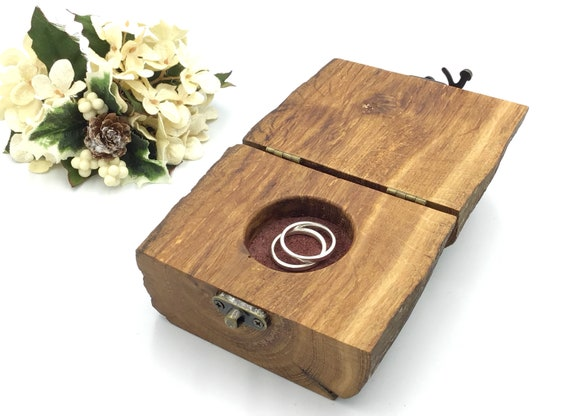 Ring box. Wedding ring box. For displaying wedding bands. Natural oak heartwood. Wooden ring bearer pillow cushion alternative. Red suede