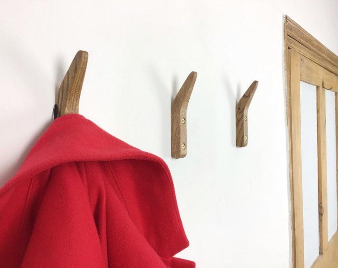 Oak Coat Hook - Wooden Coat pegs - Wall mounted coat hangers - Sustainable Oak wood