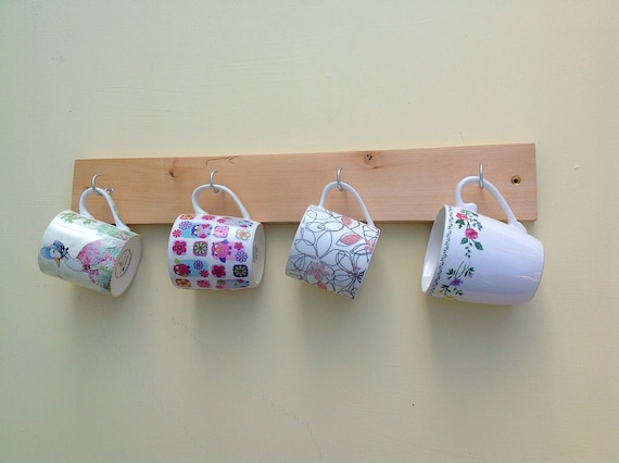 Mug rack - Wooden cup hooks - Kitchen storage - Wall mounted - Sustainable wooden wall rack display - 4 chrome Pegs / Hooks - Lime wood