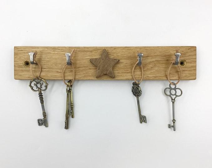 Star Key Rack - Solid Oak wood with a dark Oak wood star - Wall mounted - Sustainably sourced Oak wood