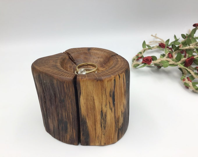 Unique ring bowl. Hand carved ring dish carved from ancient Oak wood. For keeping rings, trinkets in… handmade in Wales Uk. Unique gift