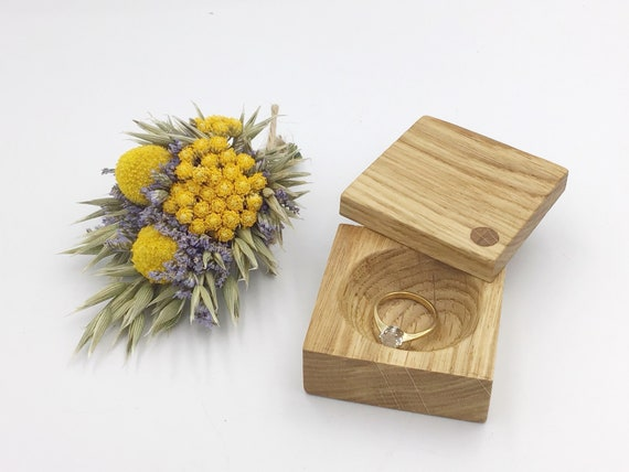 Ring box. Engagement ring box. Jewellery box. Natural oak proposal box. Ring Holder. Wooden ring box. Slim Oak wood presentation ring box