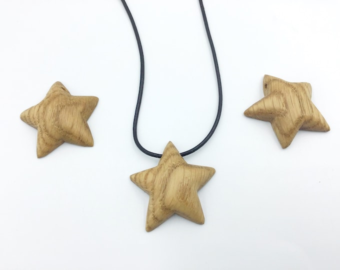 Oak wood 'Star' necklace - Little wooden flat backed 5-sided star shaped pendant necklace - Carved wooden star - Valentine gift - gift boxed