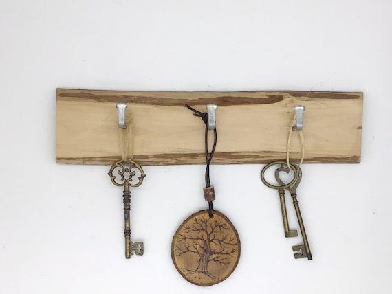 Key rack - Live edge hazel wood - 3 hooks - Wooden log slice - Simple tree branch key holder - Wall mounted - Versatile  rack for dog leads